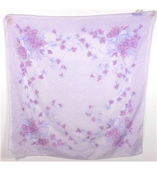 Contemporary M Sage Flower Dainty Floral Scarf