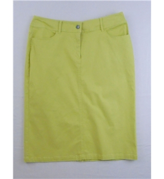 *Dutch B size 16 lime green cotton skirt
