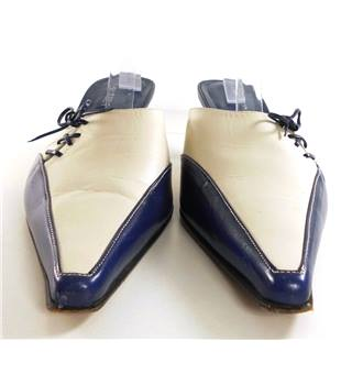 La Vida Rosa Size 6  Navy And White Leather Backless Heels