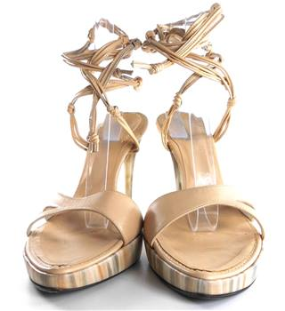 Kate Kuba Size 5.5 Nude Lace up Sandals