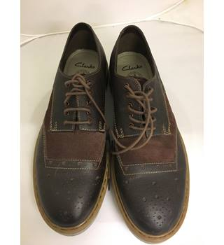 As New - Clarks Brown Brogue style Shoes - Size 7.5