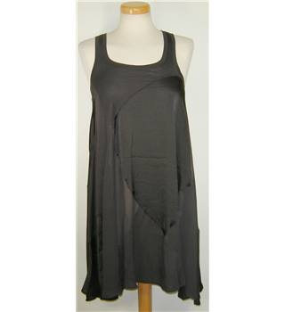 BNWT H&M size extra small black dress