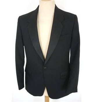 "Skopes Size: M, 38"" chest, tailored fit Black Smart/Stylish Wool & Polyester Single  Breasted Tuxedo Jacket."