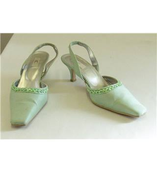 Country Casuals - Size: 7 - Mint Green - Slingbacks