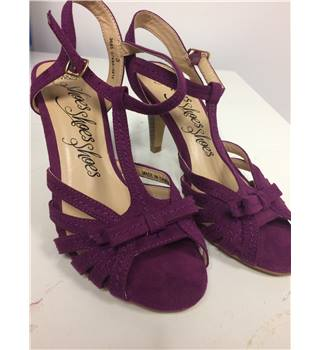 Cheeky little Magenta Pink Strappy Sandals by M&S (Size 3)