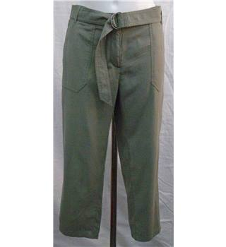 Crew green crops Size 12