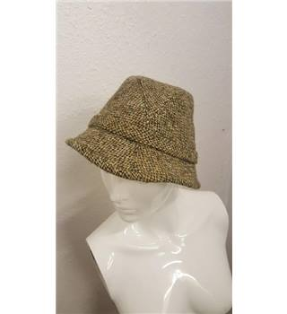 68e6e2e769ec20 Dunn and Co Handwoven Harris Tweed Trilby Hat | Oxfam GB | Oxfam's Online  Shop
