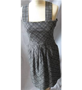Cacharel 100% cotton monochrome pinafore style dress 36 Cacharel - Size: 36 - Black