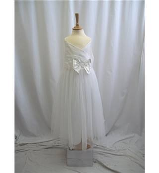 Next Signature - Age 9 - White - Dress /  gown