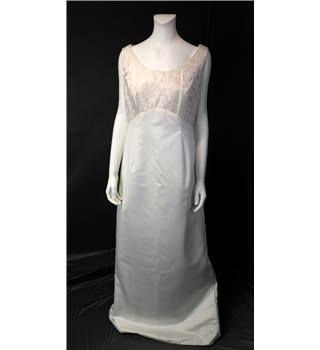 Richard Designs Size 16 Ivory Wedding Dress Richard Designs - Size: 16 - Cream / ivory - A-line wedding dress