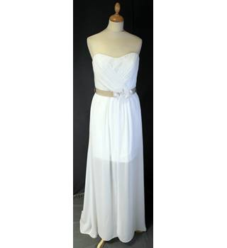 BNWT Alfred Angelo Size 12 Ivory/Cafe Wedding Dress Alfred Angelo - Size: 12 - Cream / ivory - Lace wedding dress