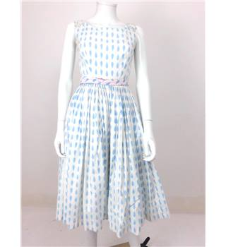 Vintage 1950s California Size 6/8 White With Blue Droplet Dress