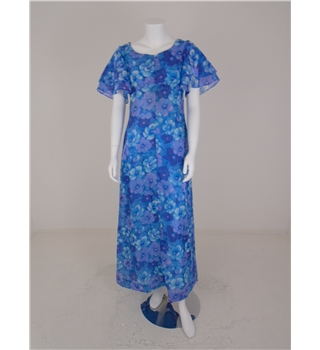 *Vintage 1970s Size 8 Maxi Painted Flower Dress