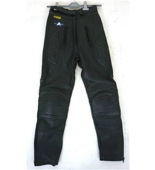 "BNWoT Akito Size: 8,  25"" waist,  25"" inside leg Raven Black Motorcycle/Racing Genuine Leather Armoured CE Approved Trousers"