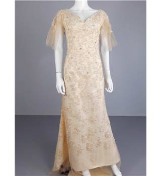 Nude Pink Size 12 Embellished Lace Wedding Gown