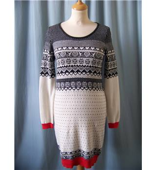 Tu - Size: 8 - Multi-coloured - Knee length jumper dress