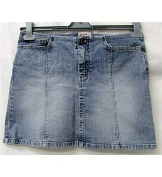 m-o-t-o & Suzie - Size: 12 - Denim Jeans - 2 mini-skirts