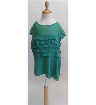 Karen Millen 100% Silk Green floaty Top Size: 8