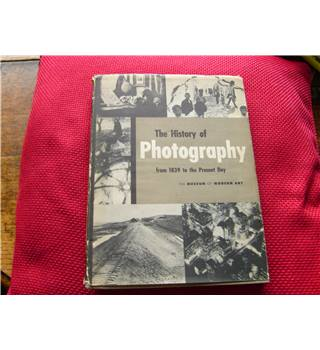 The History of Photography from 1839 to Present Day by Beaumont Newhall 1949 Museum of Modern Art New York profusely illus