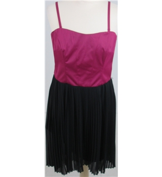 Oasis size 12 pink/black pleated dress