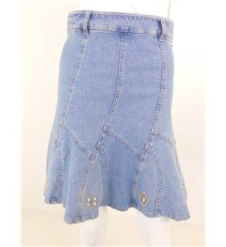 Pampolina Size 8 Blue Denim Skirt With Shell Embellishment