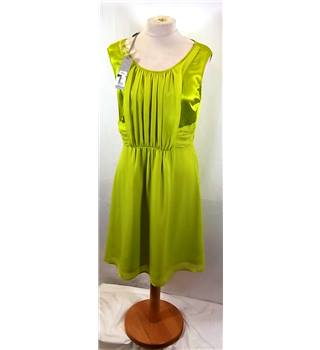 BNWT MAX - Size: 10 - Green - Sleeveless Silk Dress