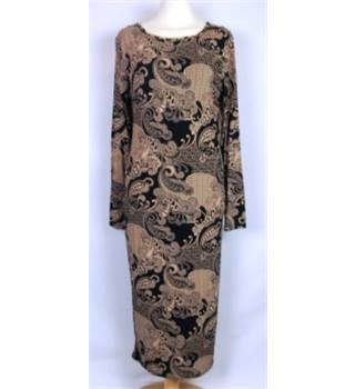 She Likes Size M/L Black and Camel Bodycon Dress