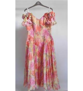 Floral Summer Cocktail Dress by (RONALD JOYCE) London Size 12