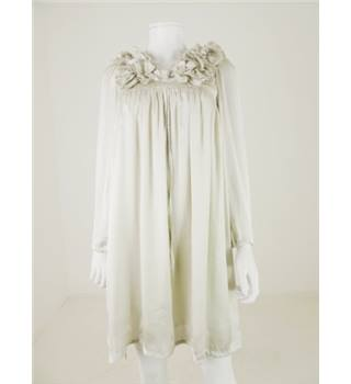 BNWT Tofu Size 10 Off White Satin Frill Detail Dress