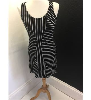 Black and White Summer Dress Triumph - Size: S