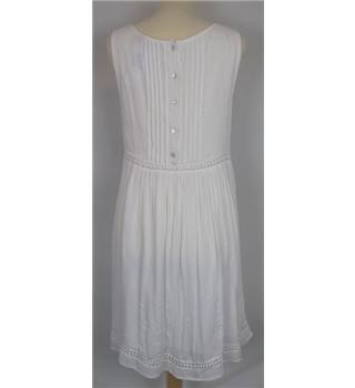 New Look Size: 10 White Short Dress