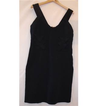 Karen Millen size: 6 black cocktail dress