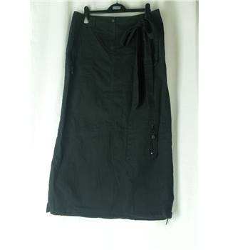 Next - Size: 14 - Black - Long skirt