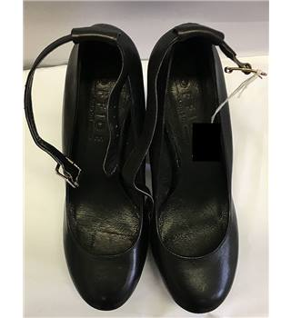 OFFICE LONDON BLACK PLATFORM HEELS SIZE 6 OFFICE LONDON [HALF PRICE]
