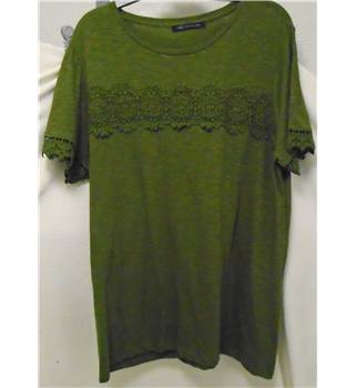 M&S Green Lace Top Size 14 M&S Marks & Spencer - Size: 14 - Green