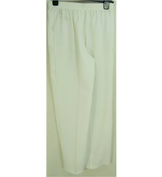 M&S Marks & Spencer - New, Size: 8 - White - textured Trousers
