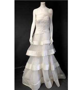 BNWT Ian Stuart Size 12 Ivory Designer Wedding Dress