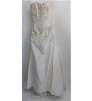 Beautiful White Rose Wedding Dress in Cream Size 12