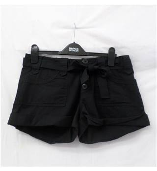 Miss Selfridge - Size: 10 - Black - Hot pants