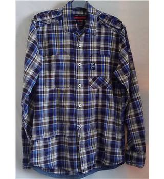 Brand New -  Duck & Cover - Shirt – Size Medium - Marine