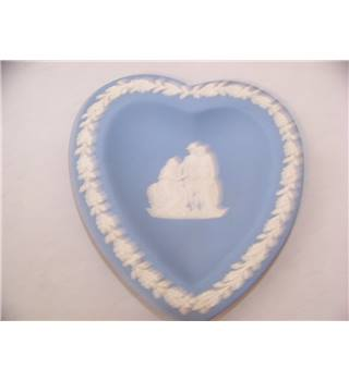 Wedgwood Jasperware blue heart shaped pin dish