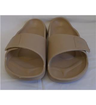 REDUCED  Brand New Betula Sandals - Size - 7 - Beige