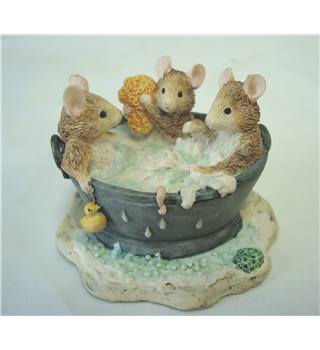 Brambly Hedge - Babies in The Bath BH73
