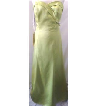 BNWT - Alfred  Angelo - Size 14 - Kiwi coloured - Bridesmaid Dress / Gown
