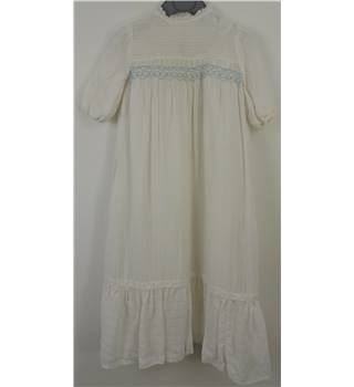 Beautiful Hand Made  White Christening Gown Age 1 - 2 years
