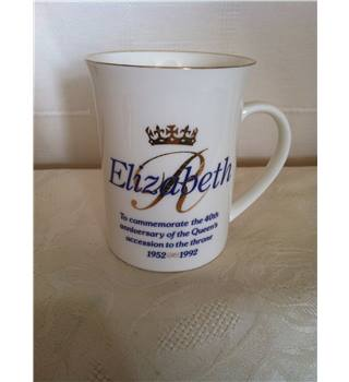 Queen Elizabeth memorabilia mug 40th