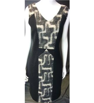 Clements Ribeiro Portobello Size 14 Black Patterned Wool Dress Clements Ribeiro - Size: 14 - Black - Sleeveless