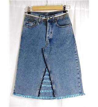 Amnesia size Euro 36(UK 8) denim skirt with beaded and ribbon decoration. Made in France