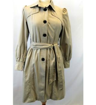 Gap size: XS beige trench coat