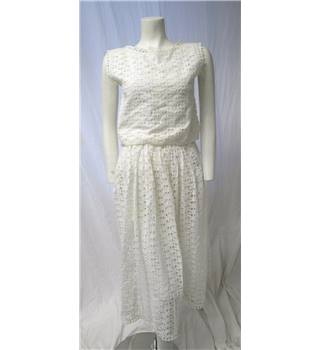 Lumiere Size 8 White Matching Top and Skirt Lumiere - Size: 8 - White